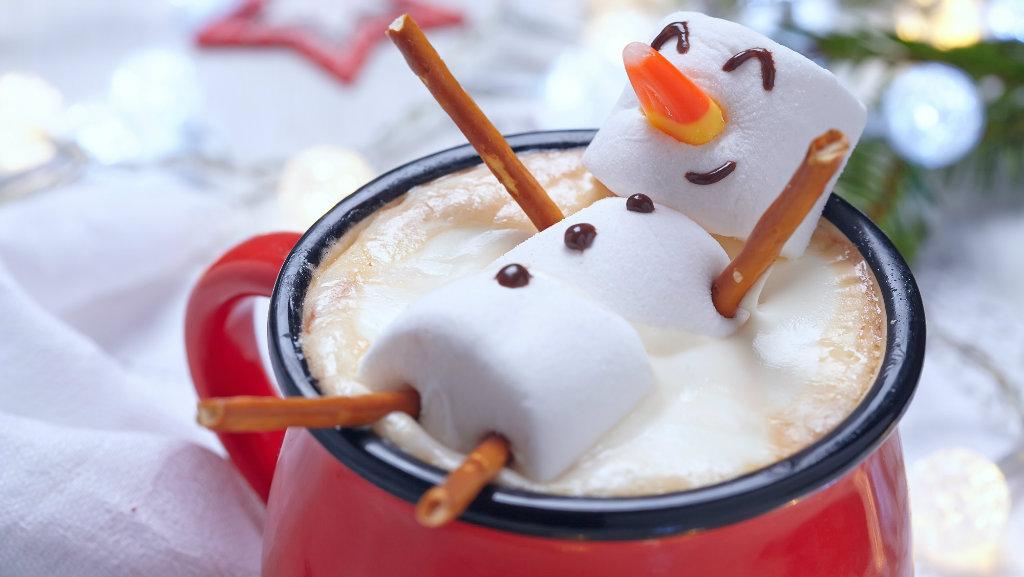 Chocolate caliente con muñeco de nieve